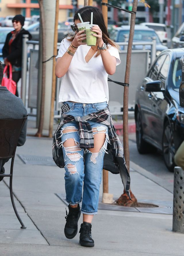 Kylie Jenner też lubi podarte dżinsy (FOTO)