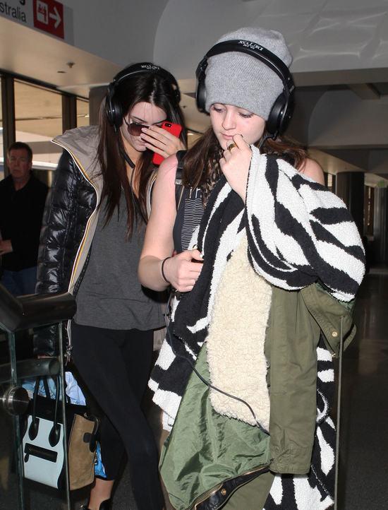 Siostry Jenner nie mają ochoty na pozowanie (FOTO)