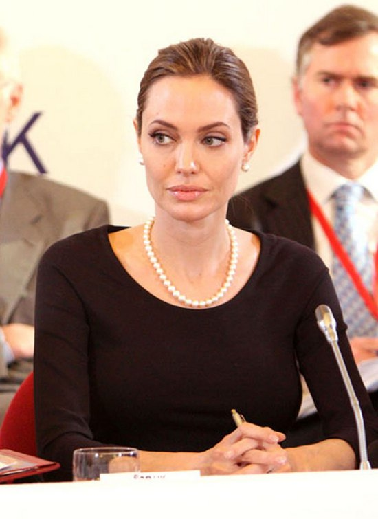 Terlikowski o Jolie: Ona się okaleczyła
