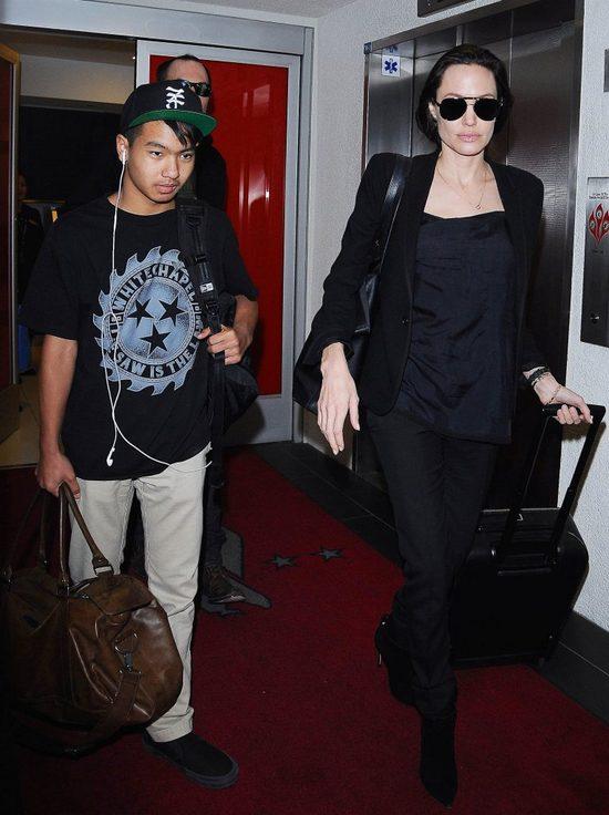 Jolie to nie Victoria Beckham. Strzeże prywatności (FOTO)