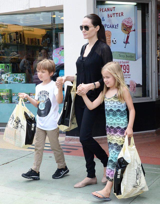 Vivienne i Knox Jolie-Pitt skończyli 7 lat (FOTO)
