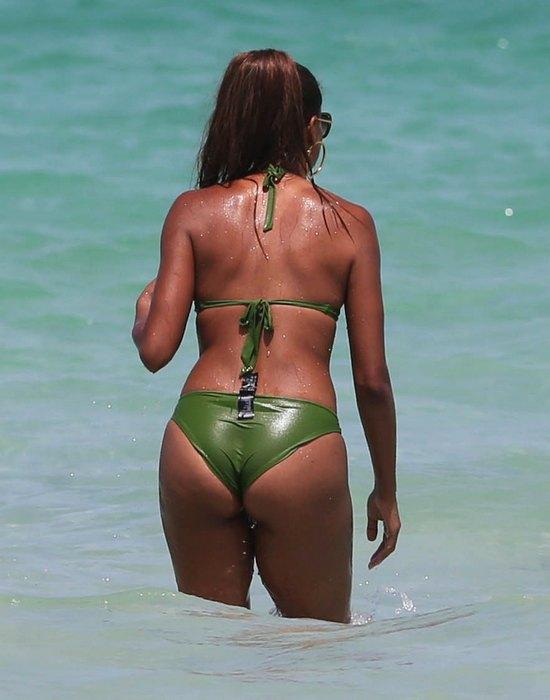 Claudia Jordan na wakacjach (FOTO)