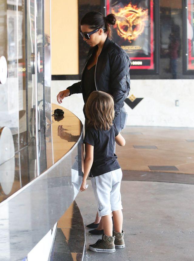 Kim Kardashian tym razem w roli dobrej cioci (FOTO)