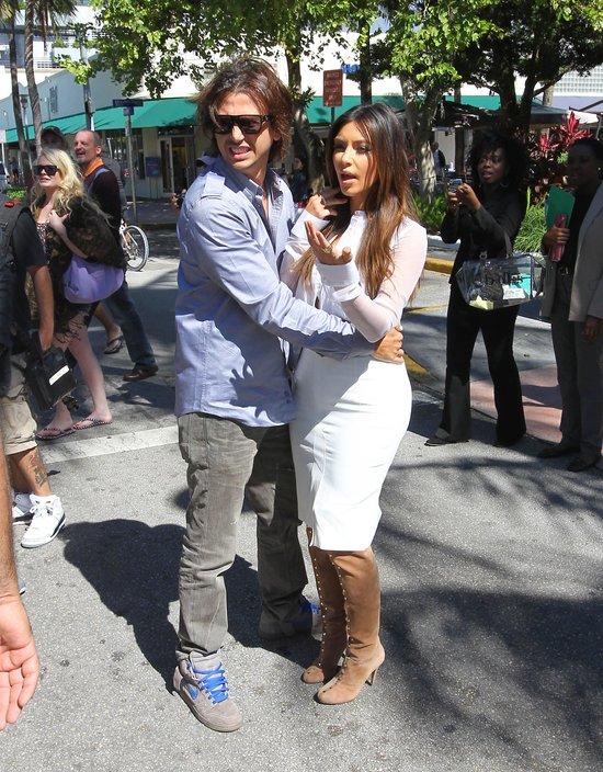 Kim Kardashian uciekła prze huraganem do Miami (FOTO)