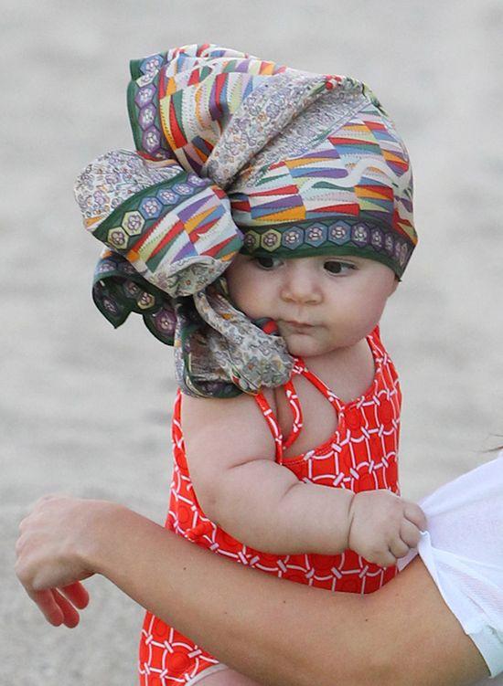 Kourtney Kardashian z córeczką Penelope na plaży (FOTO)
