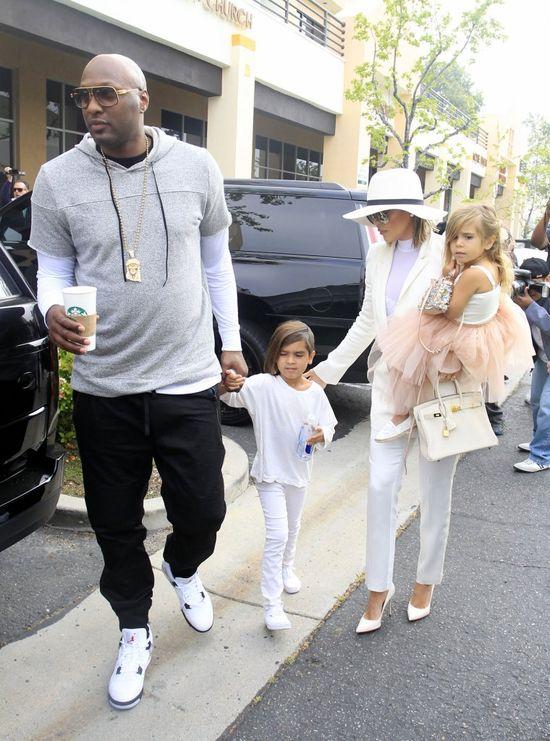 Lamar Odom ponownie odwiedza domy publiczne! Chce zapomnie� o Khloe Kardashian?
