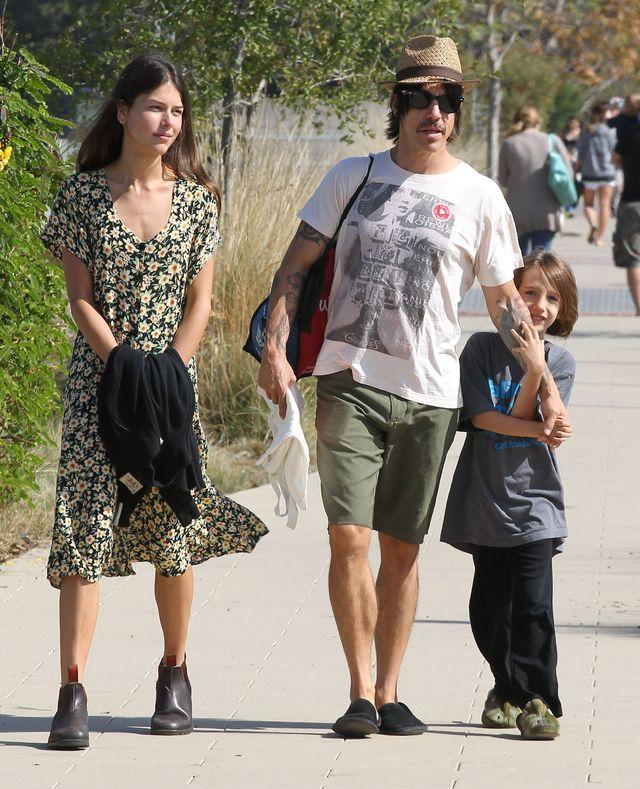 Anthony Kiedis z partnerką i synem (FOTO)