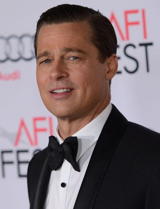 Brad Pitt bohaterem! Uratował małą dziewczynkę przed stratowaniem! (VIDEO)