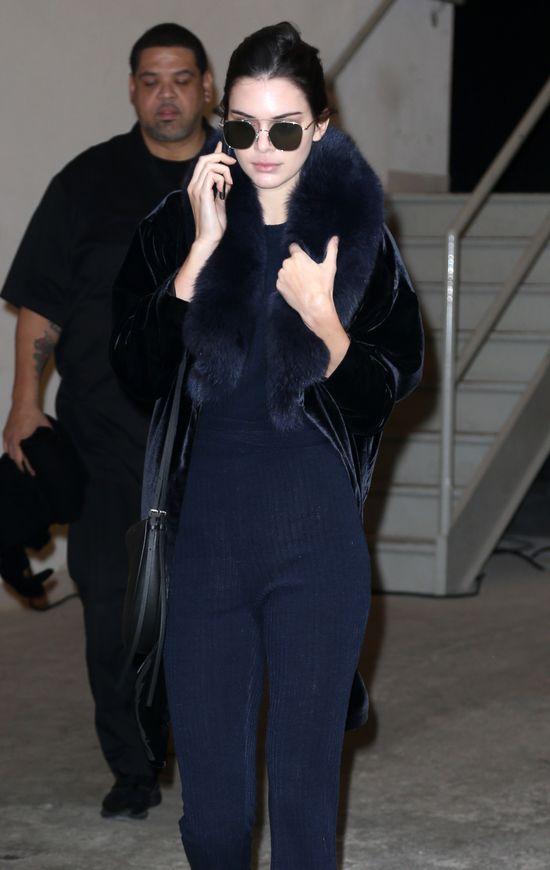 Kendall Jenner jest ZJAWISKOWA na Paris Fashion Week