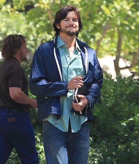 Ashton Kutcher jako Steve Jobs (FOTO)