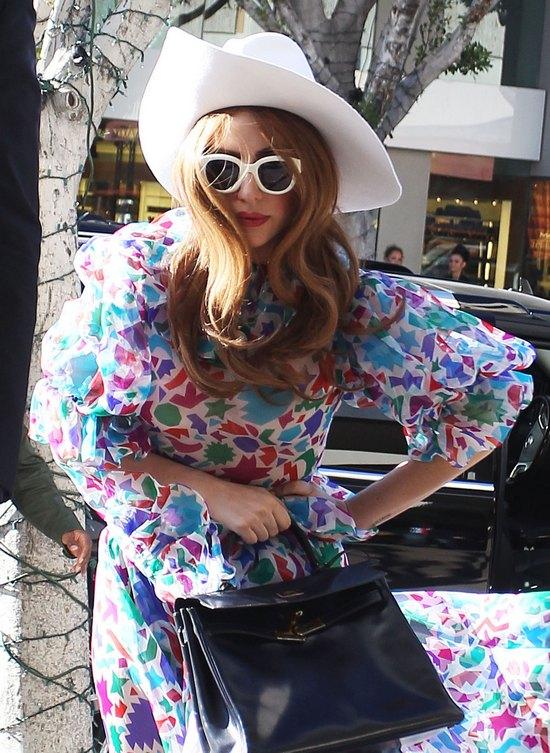 Konta Lady Gagi i Angeliny Jolie zhakowane!