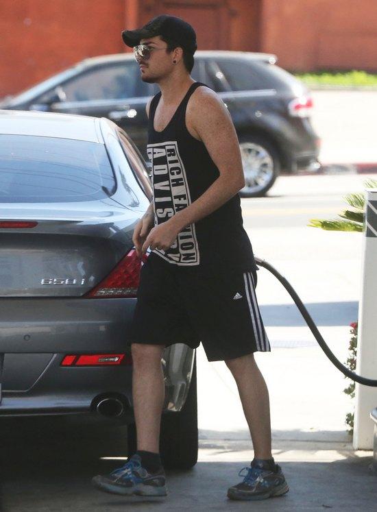 Tak dzisiaj wygląda Adam Lambert (FOTO)