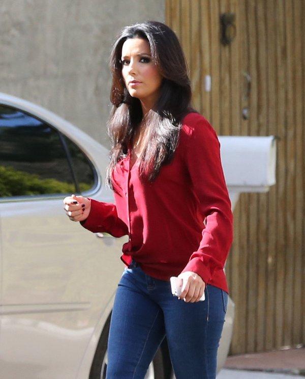 Eva Longoria w makijażu godnym Kim Kardashian (FOTO)