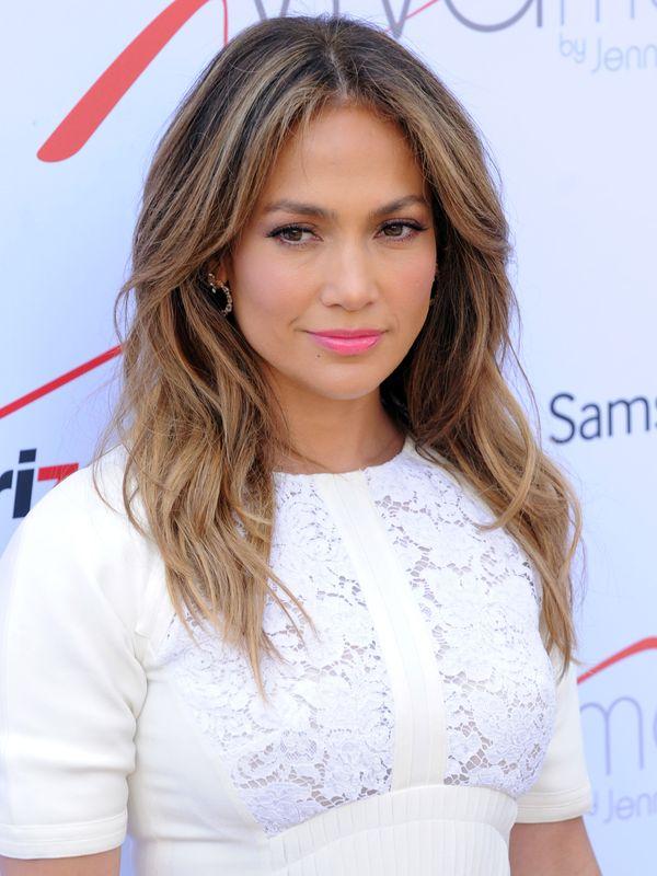 Jennifer Lopez otwiera salon z komórkami (FOTO)
