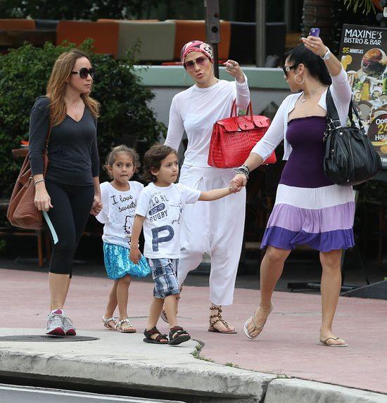 Jak mama Jennifer Lopez zajmuje się dziećmi (FOTO)