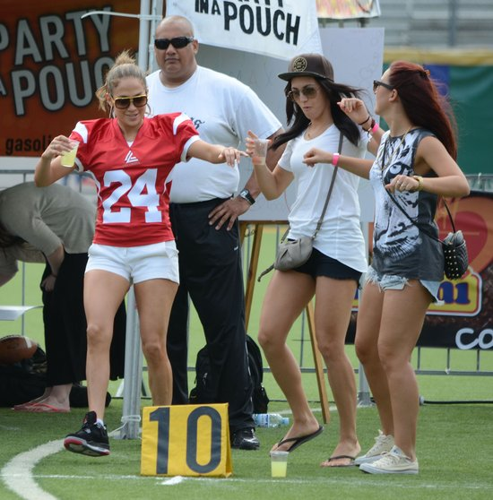 Jennifer Lopez z chłopakiem na boisku (FOTO)
