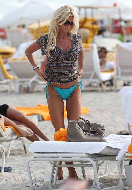 Victoria Silvstedt smaży się w słońcu Miami (FOTO)