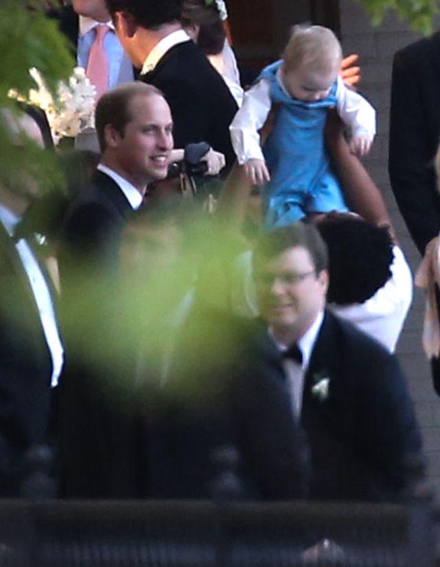 Williamie, Harry! Gdzie się podziały Wasze maniery? (FOTO)