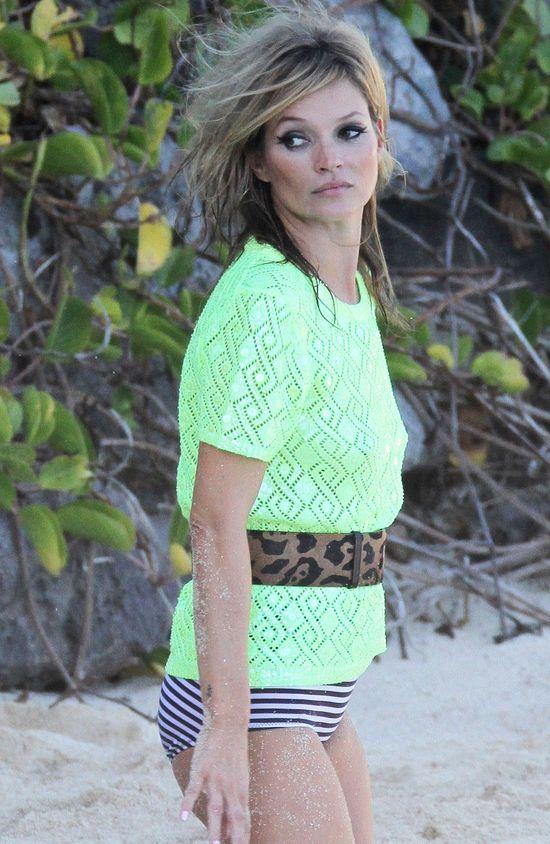 Kate Moss pozuje na karaibskiej pla�y (FOTO)