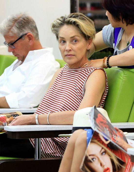 Co za figura! 58-letnia Sharon Stone zachwyca swoją sylwetką w bikini (FOTO)