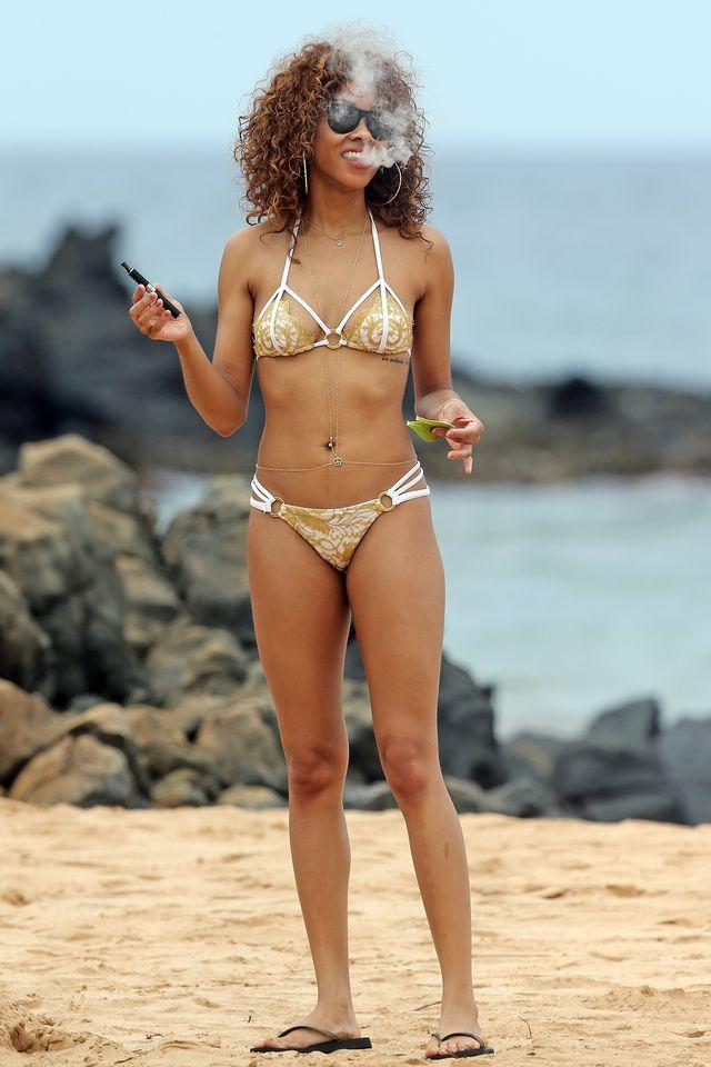 Seksowna córka Eddiego Murphy'ego w bikini na plaży (FOTO)