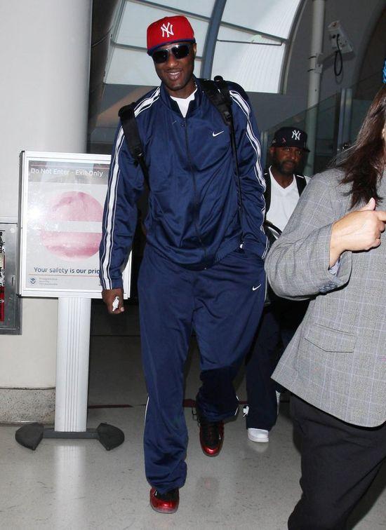 Co za wstyd. Lamar Odom PIJANY awanturował się i wymiotował w samolocie!