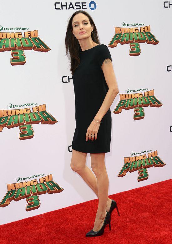 Szok! Angelina Jolie UMIERA?! Waży niecałe 39 kilogramów!