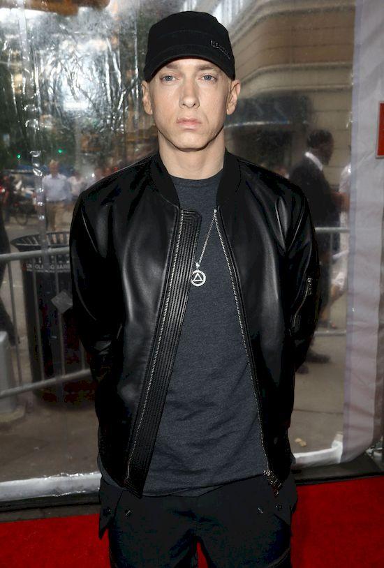 Eminem zapuścił brodę i jest NIE DO POZNANIA! (ZDJĘCIE)