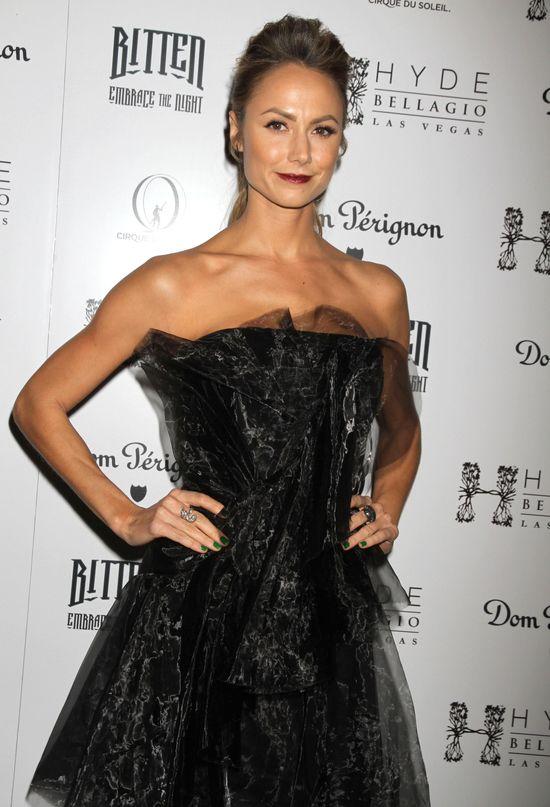 Dziewczyna George'a Clooneya zarabia na sławie (FOTO)