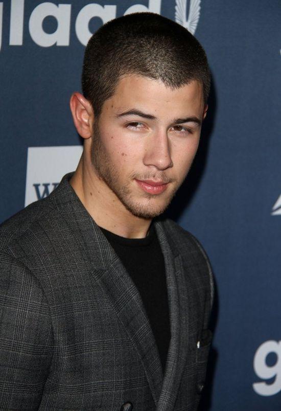 Szokujące wyznanie Nicka Jonasa: W zasadzie, to... uprawiałem seks z MĘŻCZYZNĄ