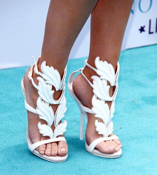 Khloe Kardashian znosi buty po Kim? (FOTO)