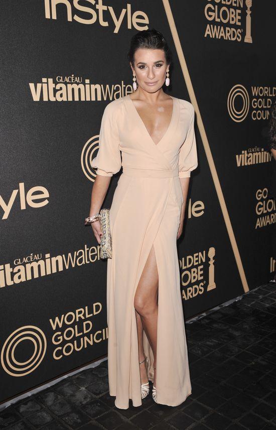 Lea Michele rozpoczyna - pierś do przodu, pupa do tyłu (FOTO