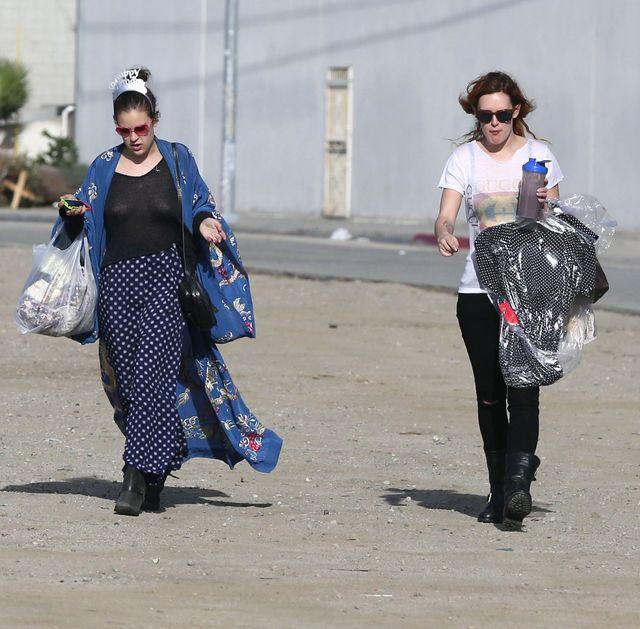 Tallulah Willis robi zakupy bez stanika (FOTO)