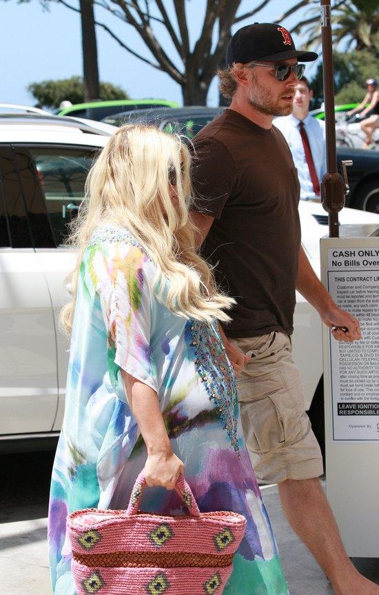 Jessica Simpson zbli�a si� wielkimi krokami do porodu (FOTO)