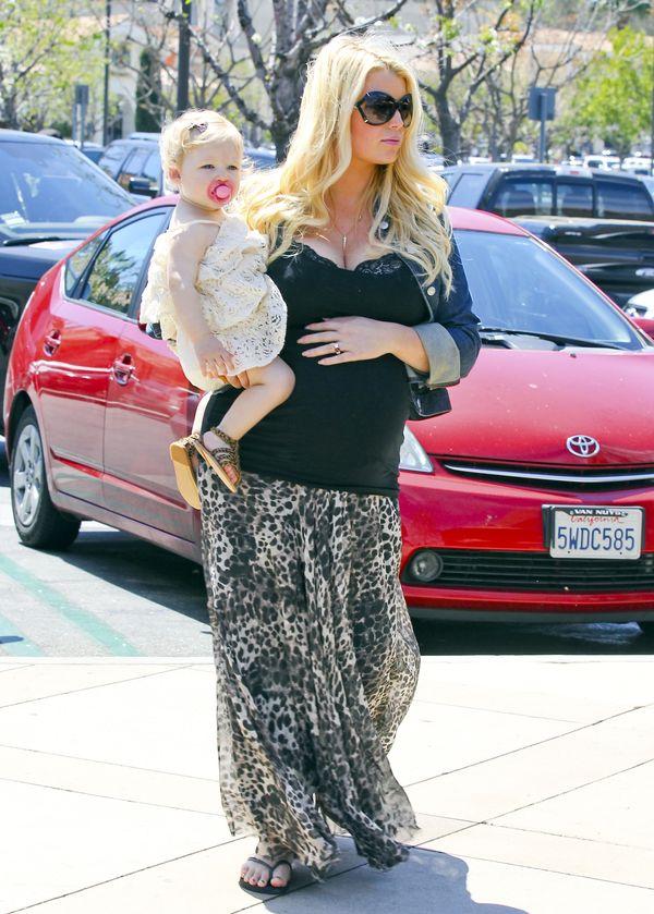 Jessica Simpson przytyła połowę z tego, co w pierwszej ciąży