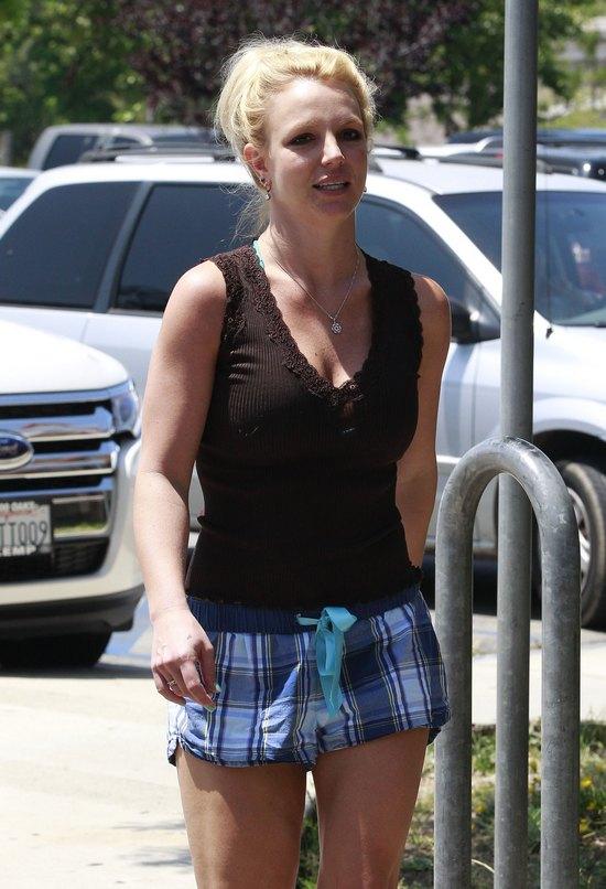 Britney Spears na siłowni w pidżamie (FOTO)