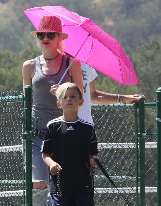 Gwen Stefani podczas rodzinnego wypadu za miasto (FOTO)