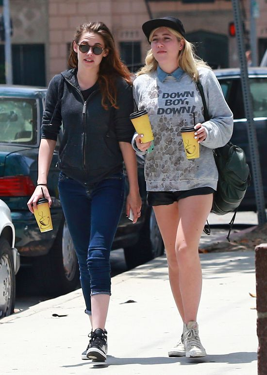 Kristen Stewart - weso�e jest �ycie singielki (FOTO)