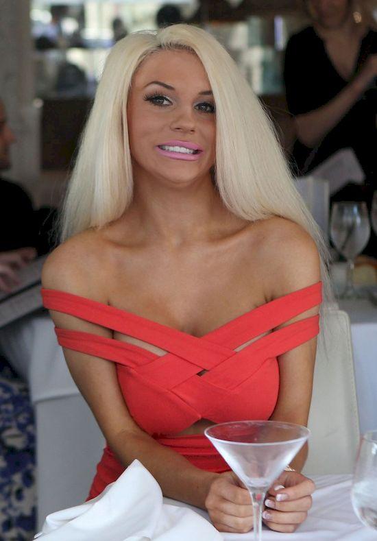 Courtney Stodden bez makijażu dalej jest seksowna? (VIDEO)
