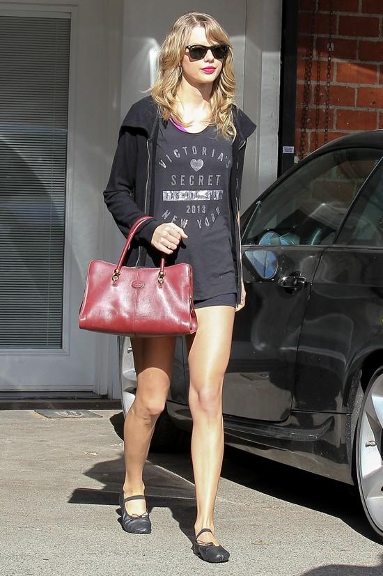 Jak na siłowni ćwiczy Taylor Swift? (FOTO)