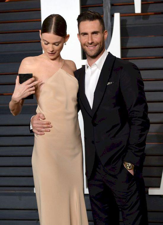 Adam Levine ofiar� obrzydliwej plotki! Mia�... pobi� �on� i dziecko!