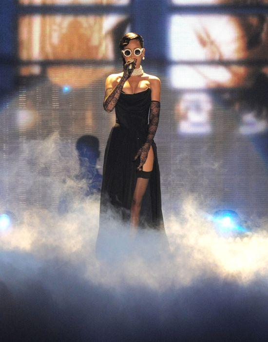 Rihanna na pokazie mody Victoria's Secret (FOTO)