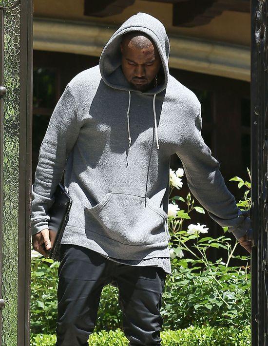 Kanye West z raną na czole (FOTO)