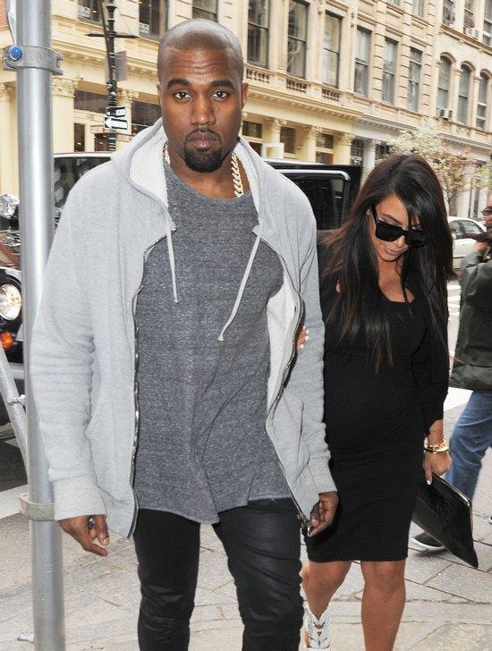 Kim Kardashian nareszcie uśmiechnięta i zadowolona (FOTO)