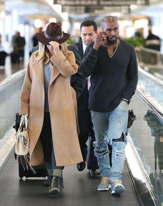 Kim Kardashian chciała się ukryć pod kapeluszem? (FOTO)