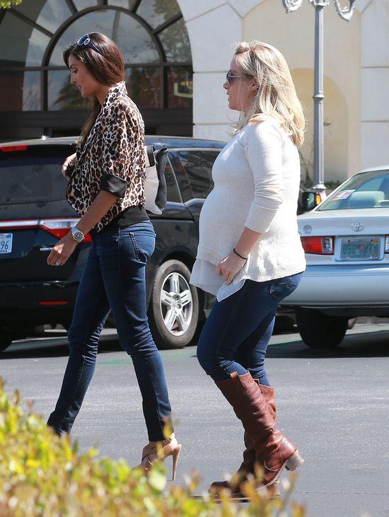 Kendra Wilkinson ma już naprawdę spory brzuch (FOTO)