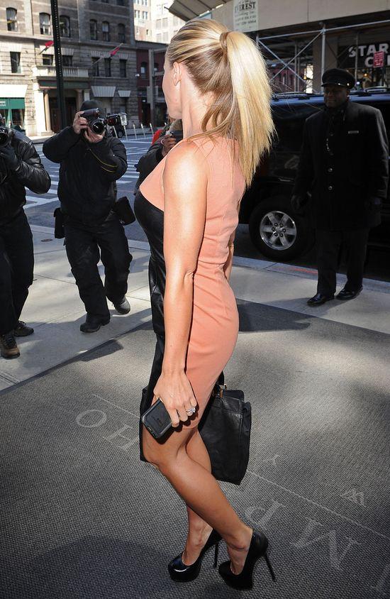 Kendra Wilkinson ma do�� wizerunku kr�liczka Playboya? FOTO