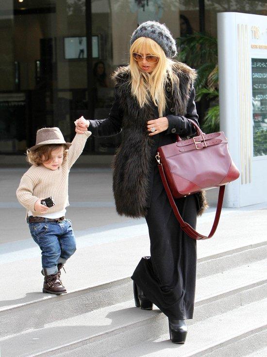 Trudno jest być mamą fashionistką (FOTO)