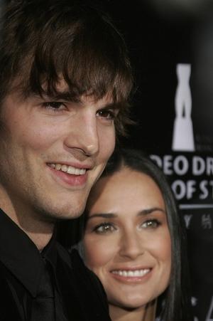 Ashton i Demi też adoptują