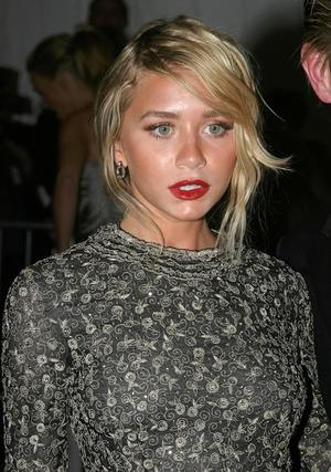Ashley Olsen normalnieje?